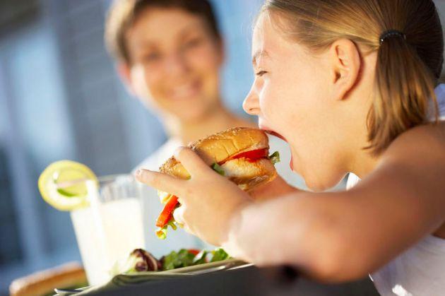 Parents Teach Kids Bad Eating Habits