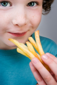 Kids learn how to eat badly from their parents